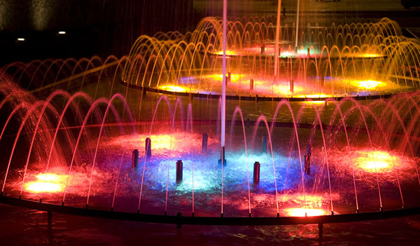 Electronic control fountain lighting