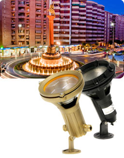 Panoramic photo of a fountain lighted with submersibles incandescence lights