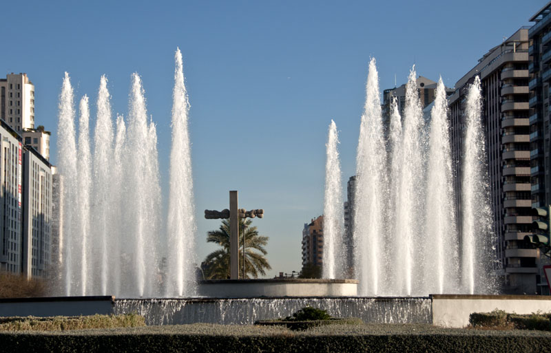 Frothy Fountain Jets