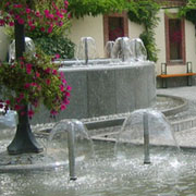 Outdoor fountain with several Mushroom Jet